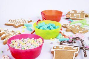 Gingerbread_house_fun-example_lr_0001